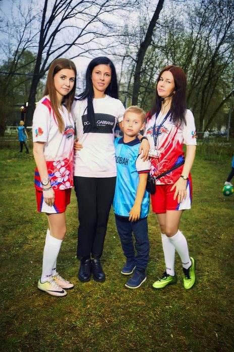 Патриотки и Вован Березуцкий. Футбол